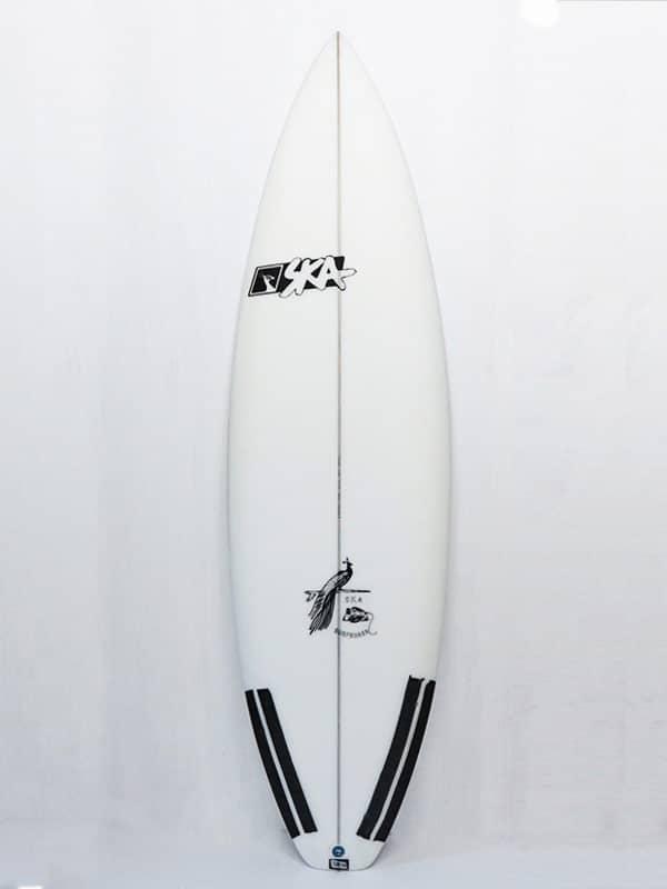 Tavola da surf ad alte prestazioni modello SK3 shaper ska surfboards front side