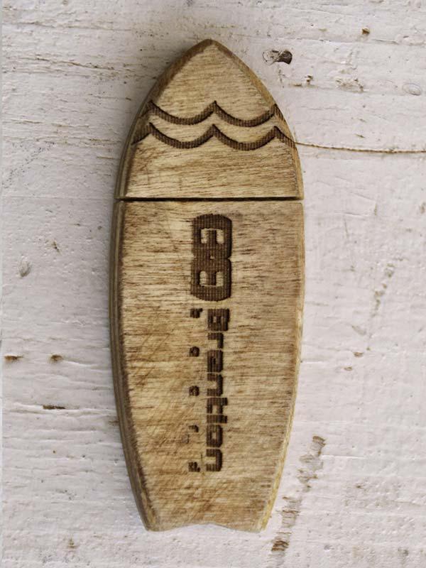 Penna USB a foram di tavola da surf fish, disponibile in varie misure e personalizzabile secondo richieste, ottimo come regalo per surfisti!