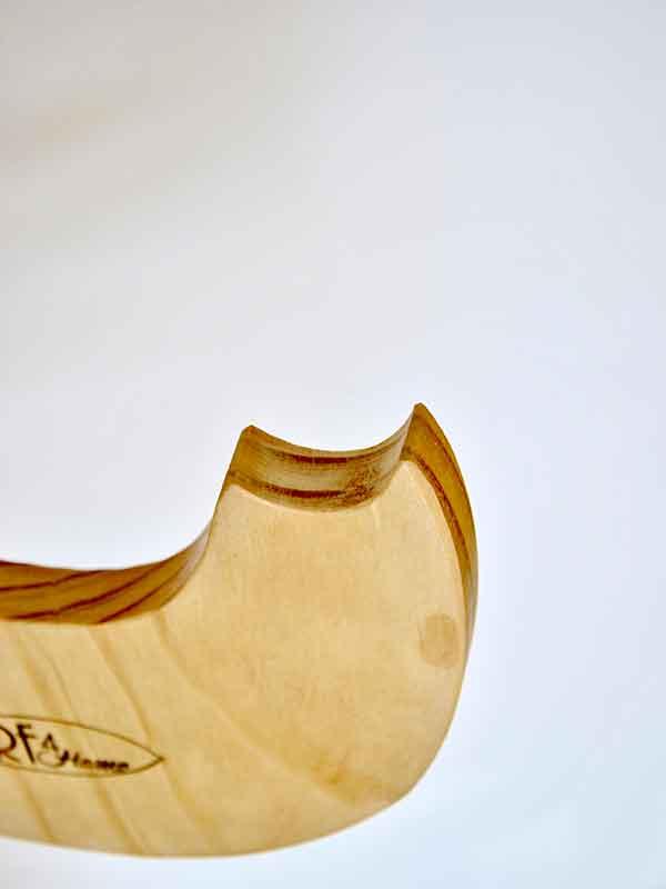 rack tavole sup, dettaglio del incavo creato per la pagaia del SUP