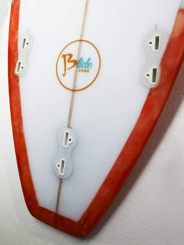Il dettaglio del tail di una tavola da surf personalizzata