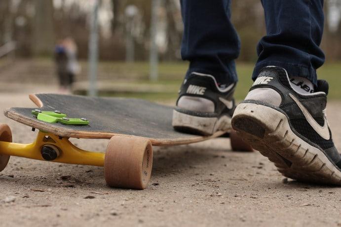 tavola longboard personalizzata, con un rider in partenza