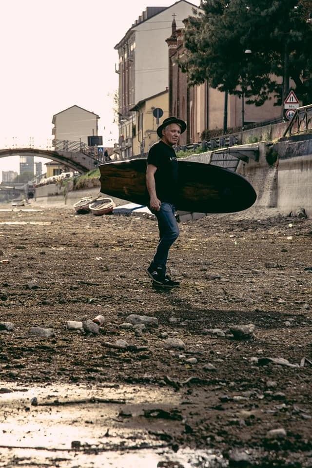 Surf Milano, foto nel Naviglio