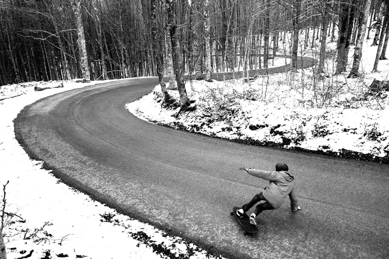 longboarder in intalia downhill